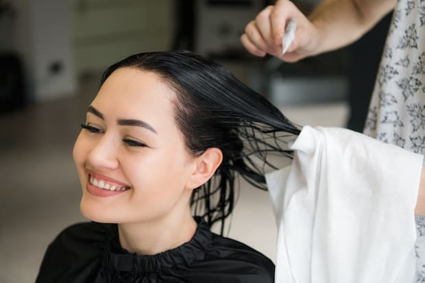 Does Oiling Regrow Hair?